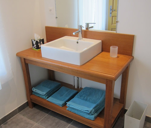 Washbasin of second bedroom